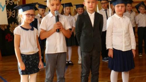 Obrazek galerii Ślubowanie klas pierwszych!!!