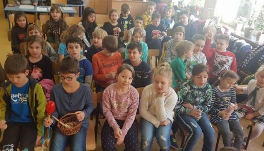 Obrazek newsa Z kolędą w klasach młodszych